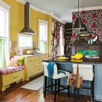 Cara Kreatif Aplikasikan Wallpaper Di Dapur