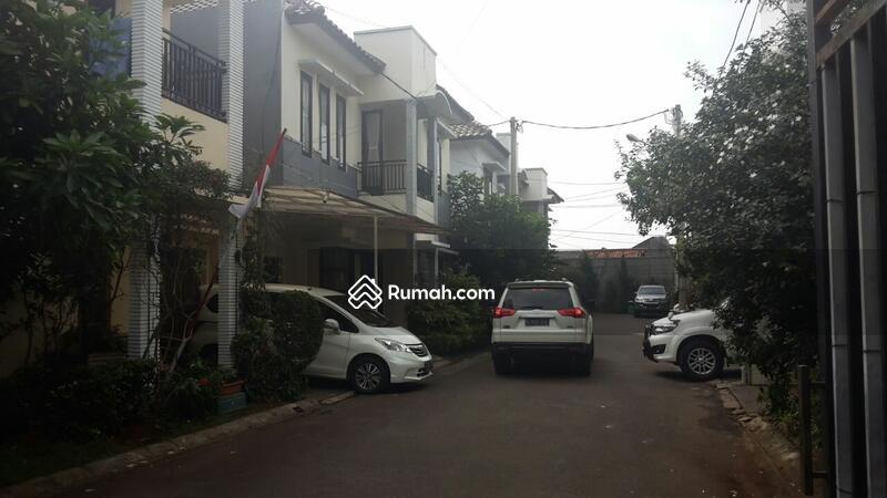 Town house pengadegan pancoran #55154333