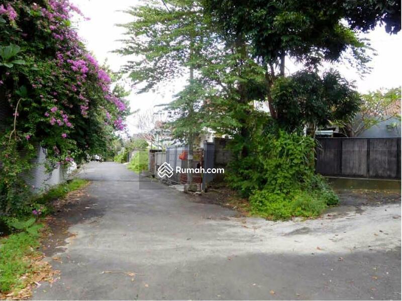 Minimalist and comfort house at taman giri benoa bali for Minimalist house jakarta