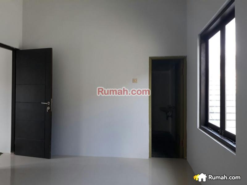 Minimalist house for sale at kebo iwa jl kebo iwa utara for Minimalist house for sale