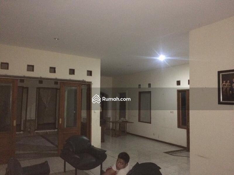 Foto #69832421 & Rumah Lokasi Strategis dengan 3 Petak Kontrakan Kemang Kemang ...