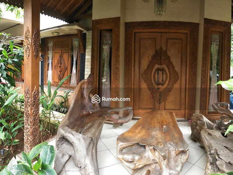 Di Jual RUMAH JOGLO Super Klasik, Ornamen Antik, Full Furnished, Ukiran Jati di Hunian Elite Bekasi #89960589