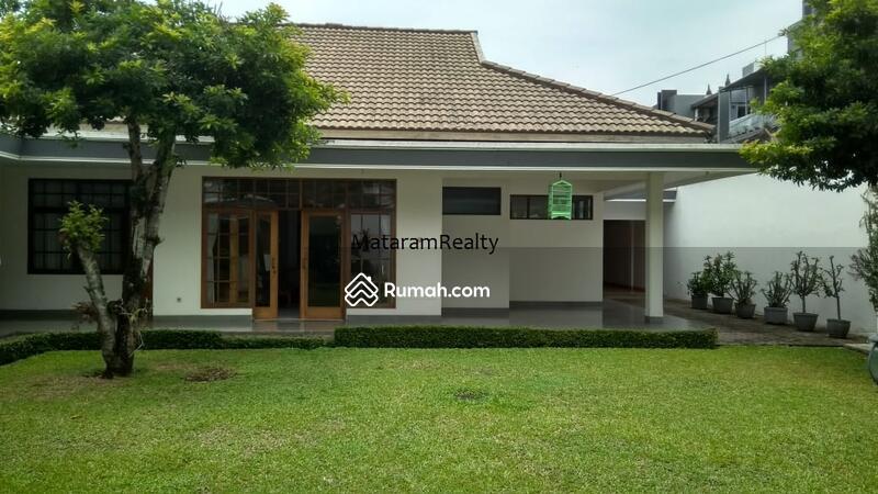4600 Desain Rumah Sederhana Dengan Halaman Luas HD Terbaik