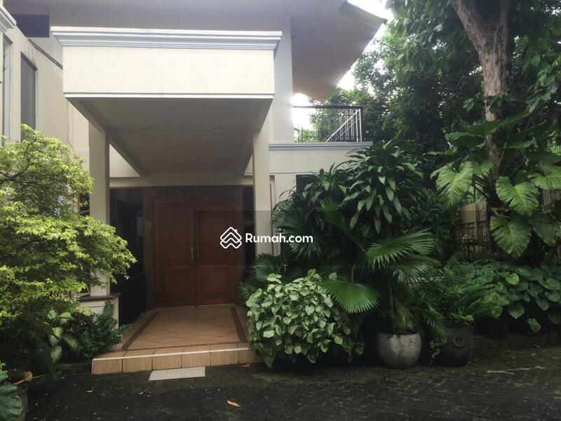 Disewakan rumah klasik asri luas di Kemang area #89384643