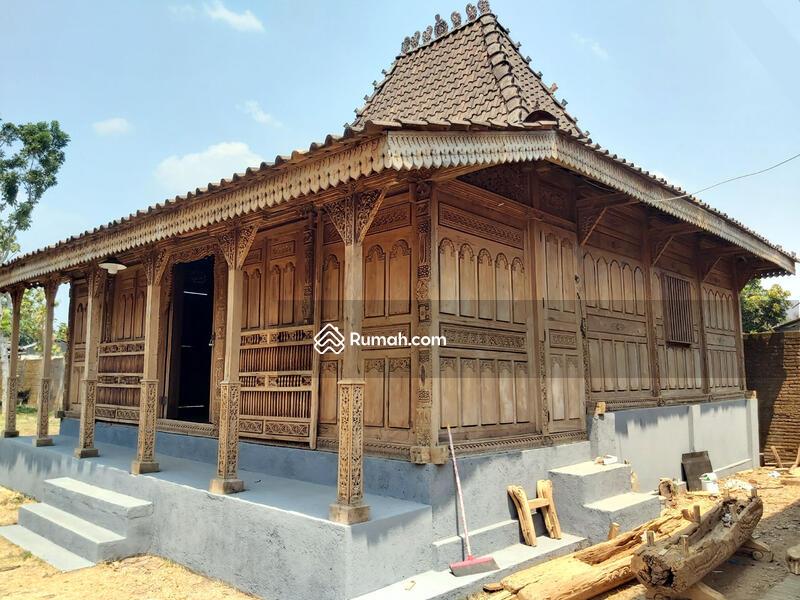 Jual Rumah Joglo Kudusan Soko 20 Gebyok Ukir 3D Tumpangsari Ukir Halus Spesial Antik Bahan Jati Kuno #91988819