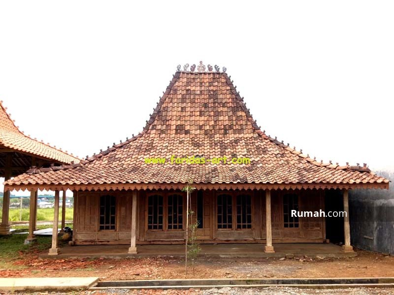 Rumah Tua Joglo Soko 16 Antik Kuno, Tumpangsari Polos, Gebyok Keliling #89726847