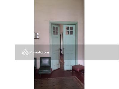 Dijual - FOR SALE : Rumah Luas Bagunan Belanda di Hariangbanga Cocok untuk Cafe dan Resto