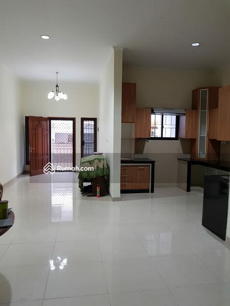 Rumah bagus harus terjual di jalan menteng tanjung duren jakarta barat jadi R.2.35M #91037695