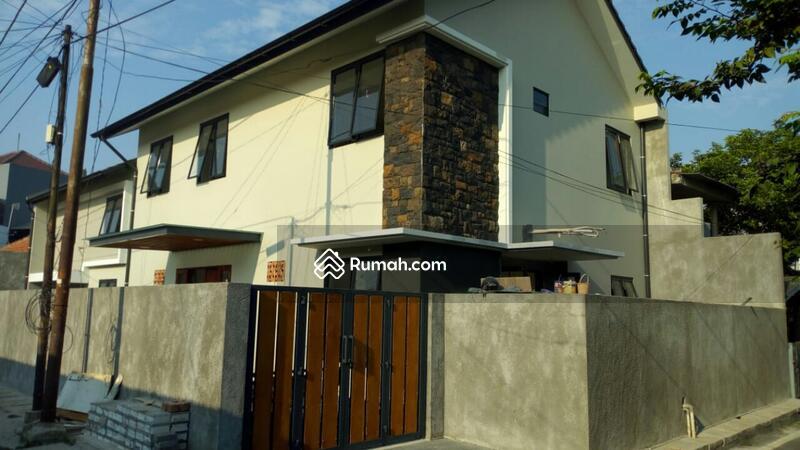 DIJUAL Cepat Rumah Besar Di Kebayoran Lama Jak Sel #91782223