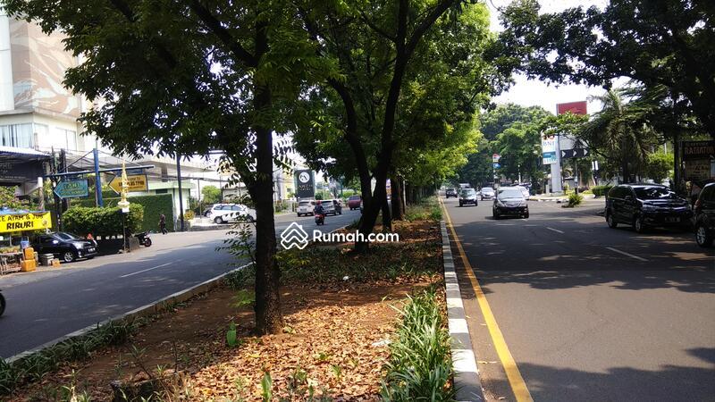 Pinggir Jalan Utama Pajajaran Kota Bogor #91842533