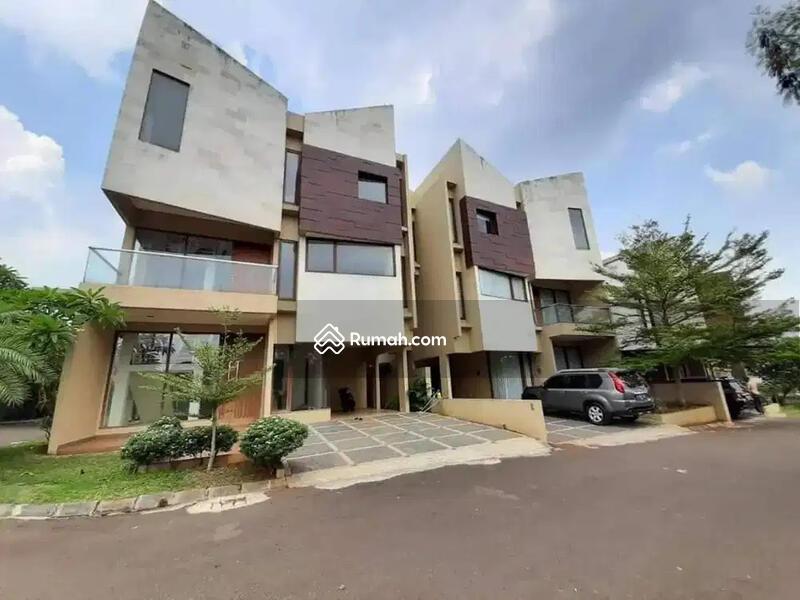 Rumah Murah Mewah Lokasi Di Pinggir Jalan Daerah Jakarta Selatan #106333255