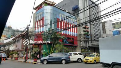 Dijual - Ruko 4 lantai, posisi hoek kompleks blok m square, dekat mrt. Open 16M
