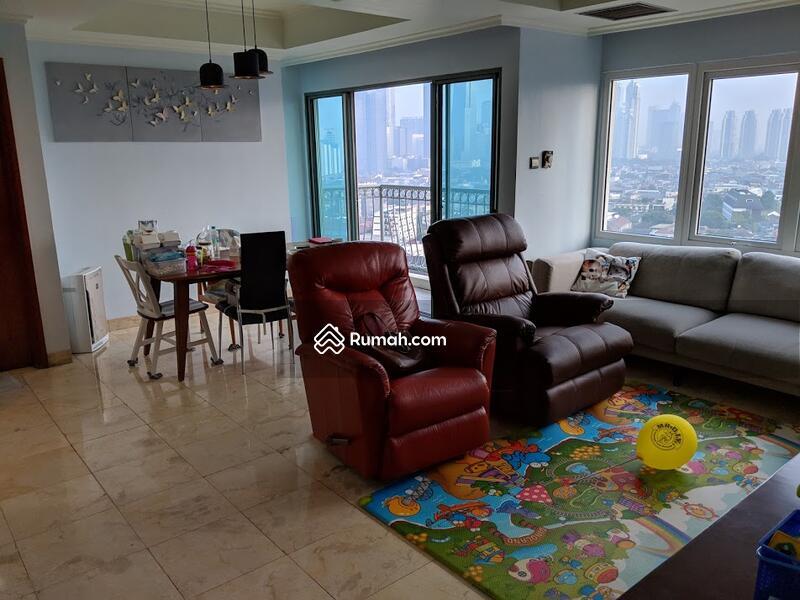 Apartment Ambassador #92828055