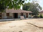 Rumah dengan Pekarangan Luas di Polokarto