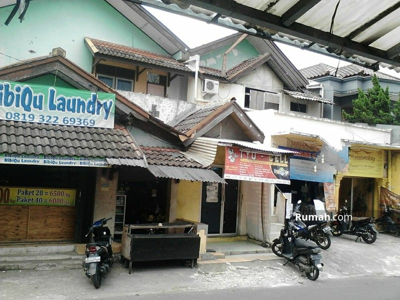 Rumah Tempat Usaha Pinggir Jalan Dekat kampus #93618791