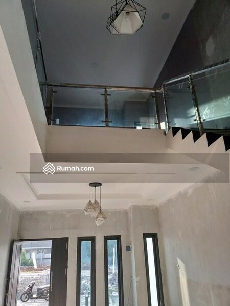 Rumah mewah di Jatiwaringin murah bayar mudah #93694343
