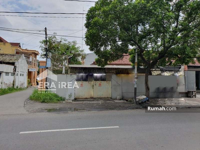 Rumah Solo Tengah Kota #93843741