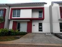 Dijual - Rumah 2 Lantai Dekat RS Bethsaida Gading Serpong Kawasan Elit Malibu Village
