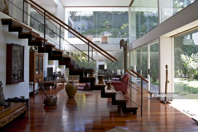 Rumah asri minimalis modern, megah terawat, tenang aman nyaman, bebas banjir di Kemang Timur, Jakart #94037635