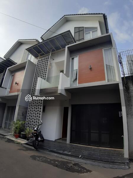 For rent rumah minimalis modern bangunan 3 lantai area kemang cipete #94177807