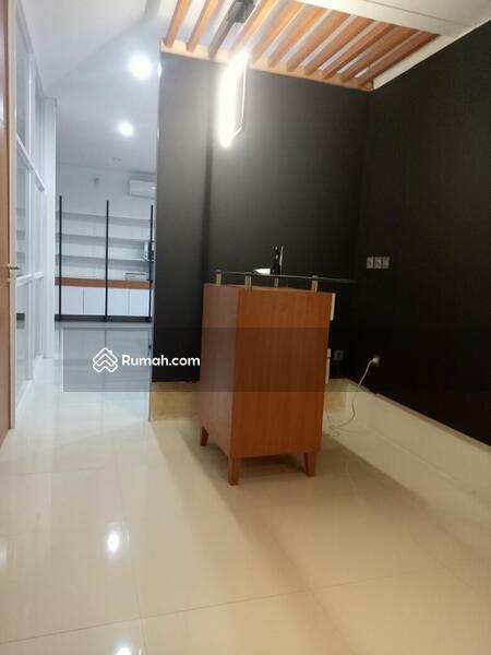 Di Jual Bangunan Kantor dan Gudang Ada Mess Karyawan #94251901