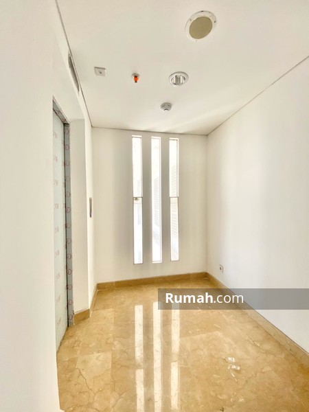 Royale Springhill Residence #94385453