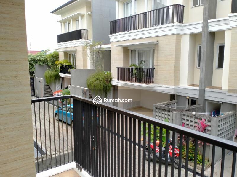 Townhouse Mewah Area Elite Di Ampera Kemang Jakarta Selatan Jalan Ampera Kemang Jakarta Selatan Kemang Jakarta Selatan Dki Jakarta 5 Kamar Tidur 250 M Rumah Dijual Oleh Gunawan Rp 6 5 M 17129774