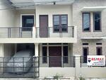 Jual Rumah Bagus Hoek 2 Lantai di Pejuang Bekasi