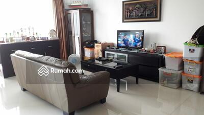 Disewa - Strategis Apartemen at Kemang, Fully Furnished,