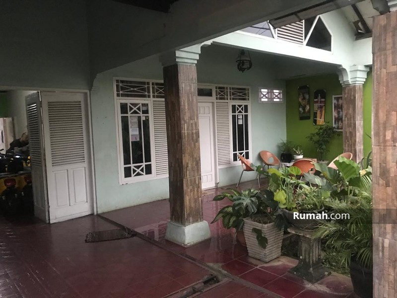 Dijual Rumah second Lokasi Strategis Di lenteng agung Jakarta Selatan #95404171