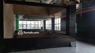Dijual - Perkantoran 3 lantai