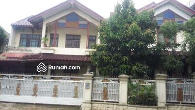 Dijual - Rumah Mewah 2 Lantai , Fully Furnished, Lokasi pinggir jalan raya Bambu Apus Cipayung Jakarta Timur