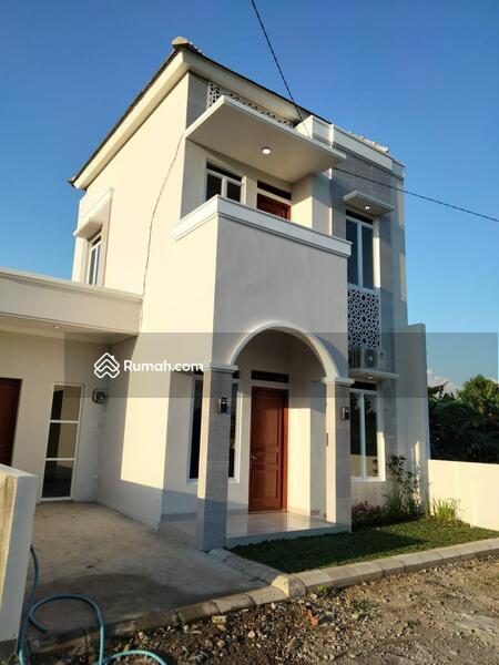 Rumah 2 Lantai #105707365