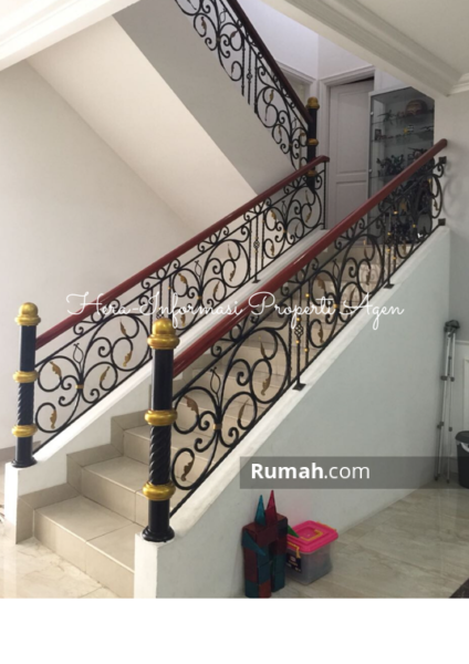 Dijual Rumah Mewah dan Bagus Taman Villa Meruya Jakarta Barat #96470919