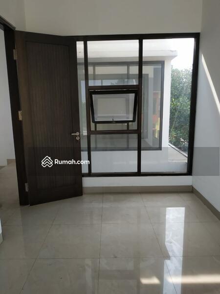 Rumah dalam Cluster di Petukangan Jakarta Selatan #96613123