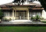 Dijual Rumah Belanda terawat, LOKASI STRATEGIS, ADA PAVILIUN di Cimahi