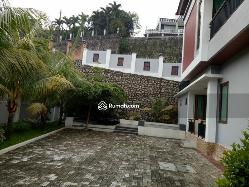 Rumah Serasa di Villa dgn Halaman Luas di Jl Lembah Pasir Cijantung 4 JakTim #96705395
