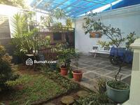 Dijual - Rumah rasa villa tipe 180/212 dekat stasiun Bogor. Taman, kolam ikan, interior, eksterior elegan