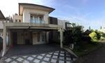 Rumah bagus full furnished di kawasan exclusive Taman Giriloka BSD