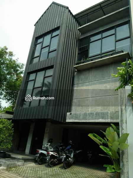 Dijual Gedung Perkantoran 4 Lantai di Taman Cilandak Lokasi Strategis #96849691