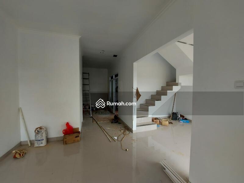 Rumah 2 Lantai Minimalis Dekat Grand Depok City #103168059