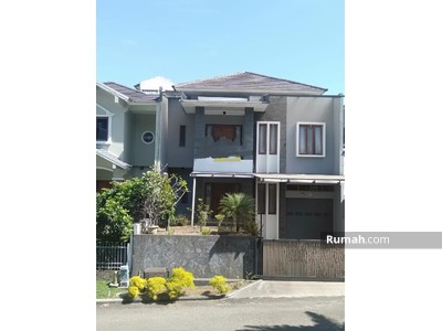 Disewa - Disewakan rumah 2 lantai di komplek elit Setraduta Bandung