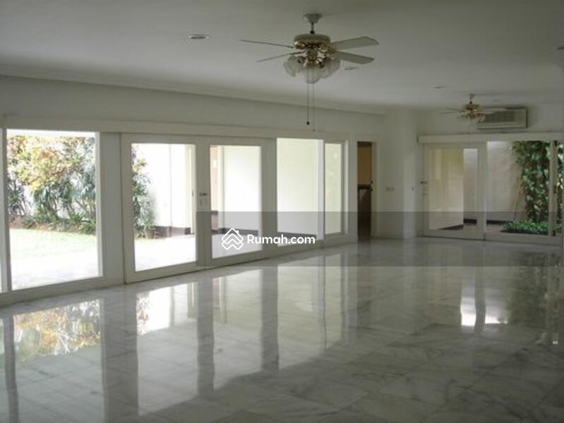 Disewa House For rent Lembonghouse Siaga Raya 3B near International School Shoping Mall Kemang #97540839