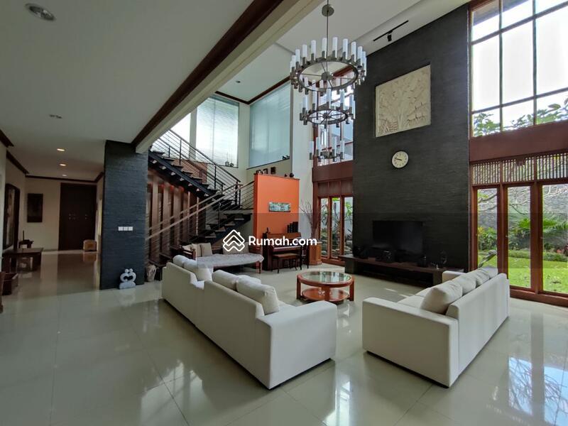 Rumah sangat Asri dan Luxuary Mewah siap huni di Setraduta,Bandung #97619983