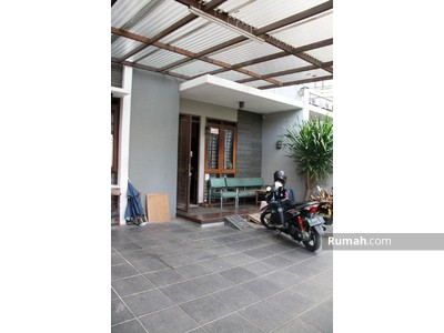 Dijual - Rumah dekat Singgasana Bandung, Rumah 4KT, Rumah Dibawah 3M, Rumah Loteng Murah Bandung, Siap Huni