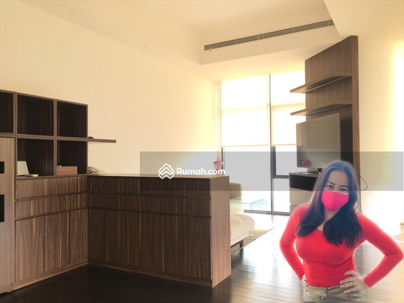 DIJUAL Apartemen 3 Kamar Ber-Gaya RESORT, BONUS FURNISH CITY VIEW @VERDE, Kuningan Jakarta Selatan #97917003