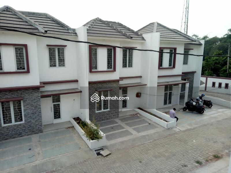 Exclusive Town House Dua Lantai Teristimewa Sejagat ,. #97938895