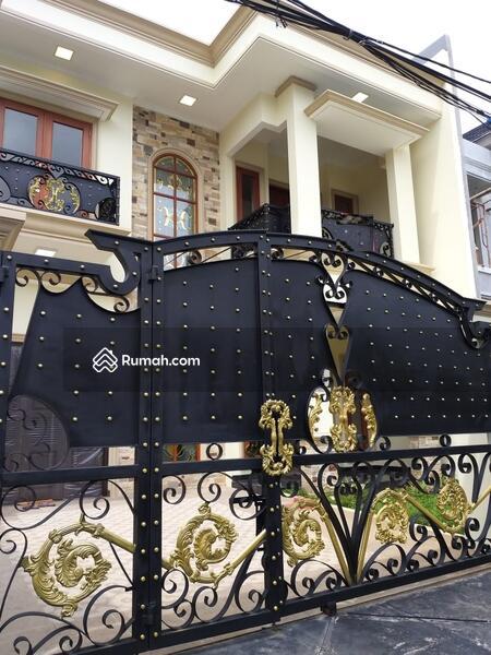 Rumah Baru dengan Design yang Luas serta Nyaman untuk Tinggal #98174651