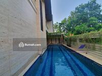 Dijual - Rumah Asri Siap Huni Gaya Klasik Modern di Pondok Indah