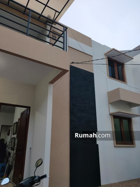 Dijual rumah cantik di Komplek Billymoon Pondok Kelapa #98309993